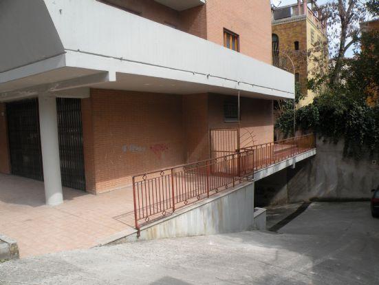 Magazzino in Affitto a Spoleto