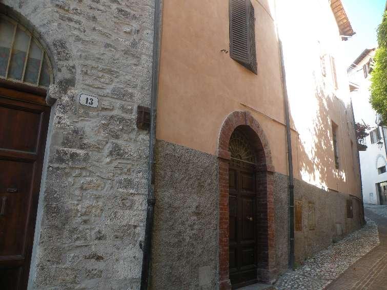 Appartamento in affitto a Sant'Anatolia di Narco, 2 locali, zona Zona: Gavelli, prezzo € 200 | Cambio Casa.it