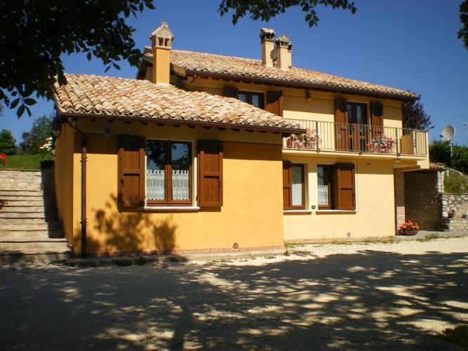 Villa in vendita a Spoleto, 14 locali, zona Località: FRAZIONE, prezzo € 540.000 | Cambio Casa.it