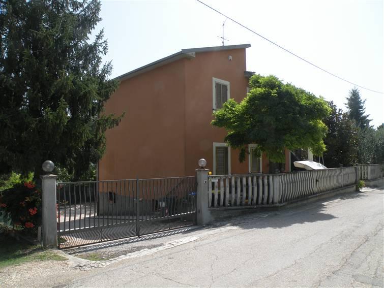 Soluzione Indipendente in vendita a Spoleto, 10 locali, prezzo € 190.000 | Cambio Casa.it