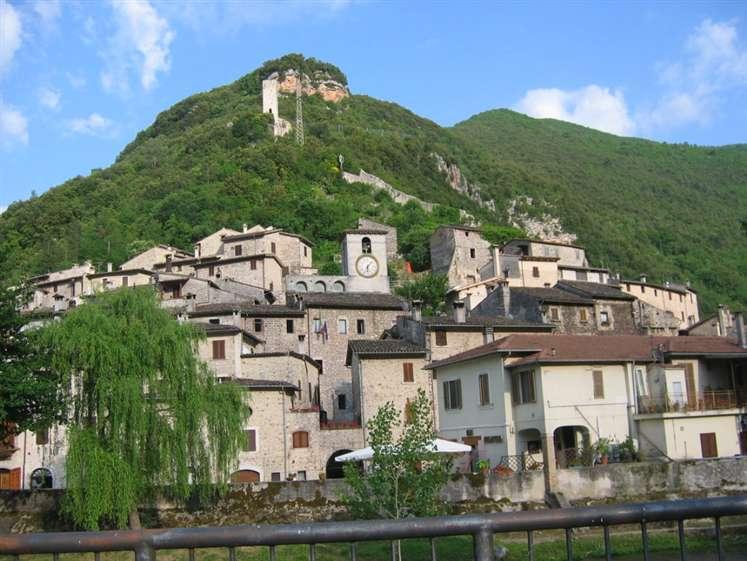 Appartamento in vendita a Scheggino, 2 locali, prezzo € 32.000 | Cambio Casa.it