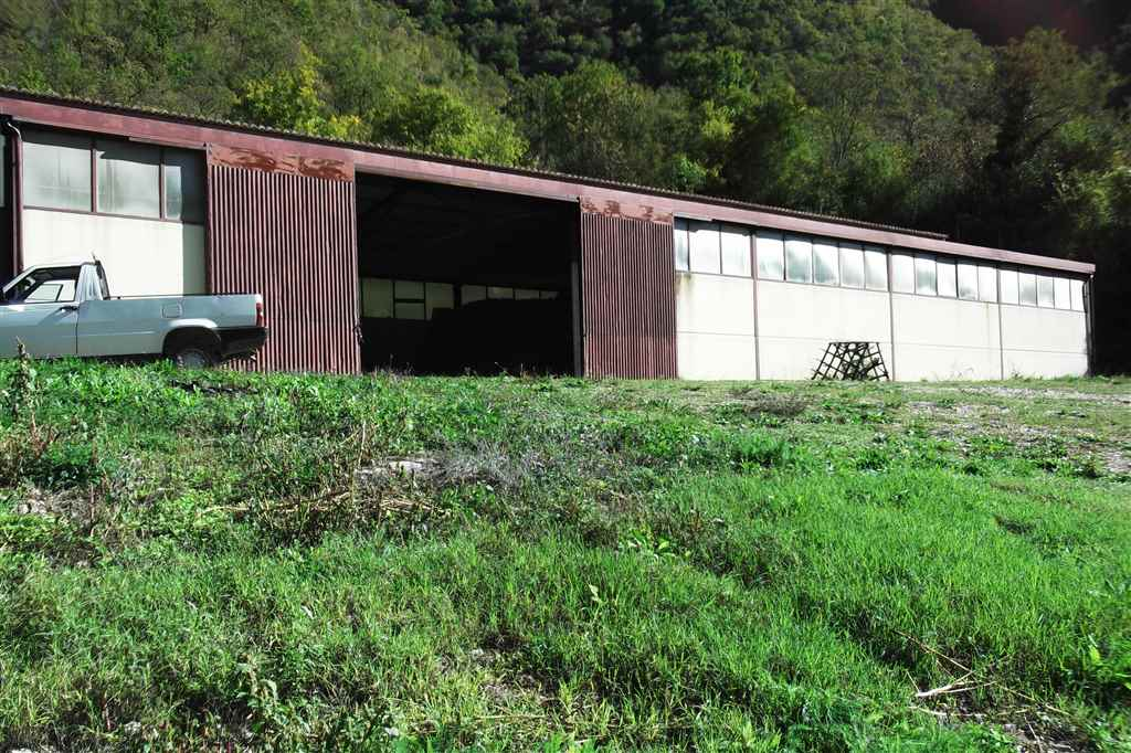 Capannone in affitto a Cerreto di Spoleto, 1 locali, zona Zona: Ponte, prezzo € 300 | Cambio Casa.it