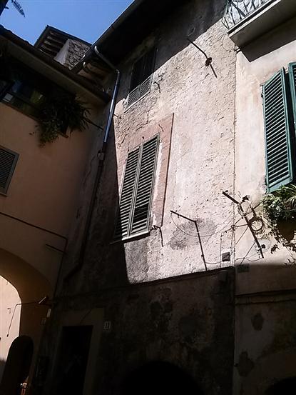 Palazzo / Stabile in vendita a Spoleto, 13 locali, zona Località: CENTRO, prezzo € 210.000   Cambio Casa.it