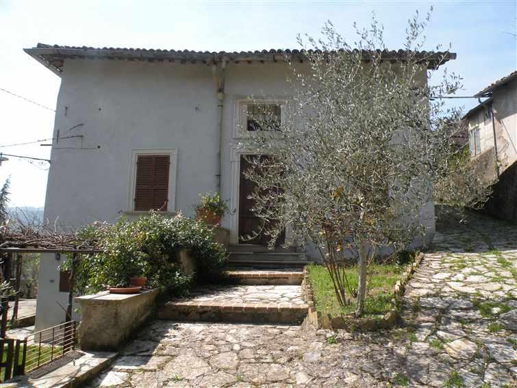 Soluzione Indipendente in vendita a Spoleto, 9 locali, zona Località: PERIFERIA, prezzo € 265.000 | Cambio Casa.it