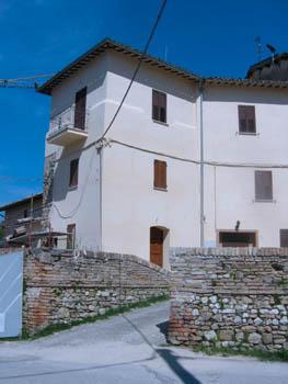 Soluzione Indipendente in vendita a Spoleto, 4 locali, prezzo € 85.000 | Cambio Casa.it