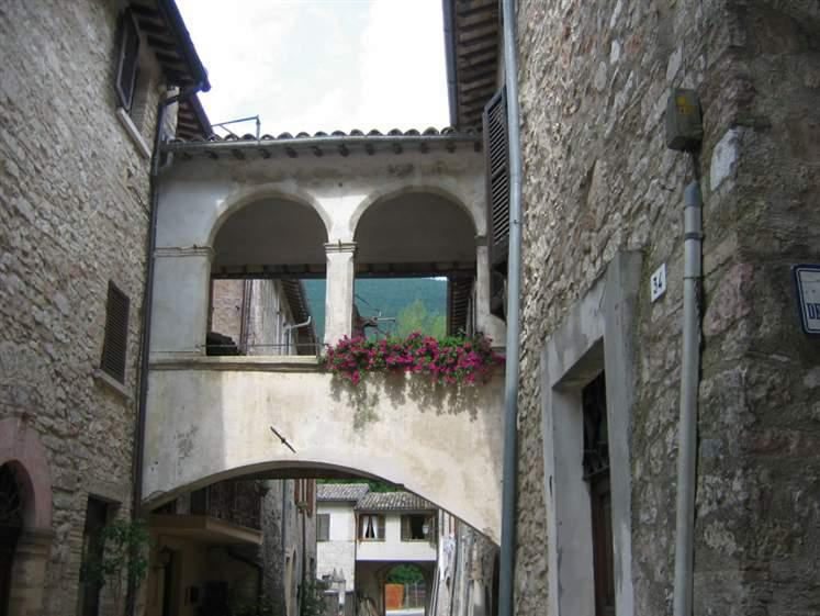 Appartamento in vendita a Scheggino, 4 locali, prezzo € 105.000 | Cambio Casa.it