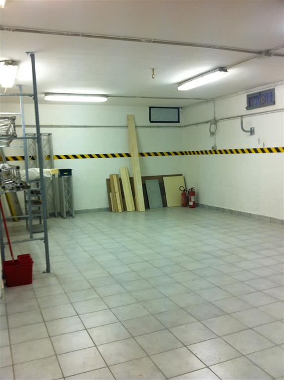 Laboratorio in vendita a Spoleto, 2 locali, zona Località: PERIFERIA, prezzo € 45.000 | Cambio Casa.it