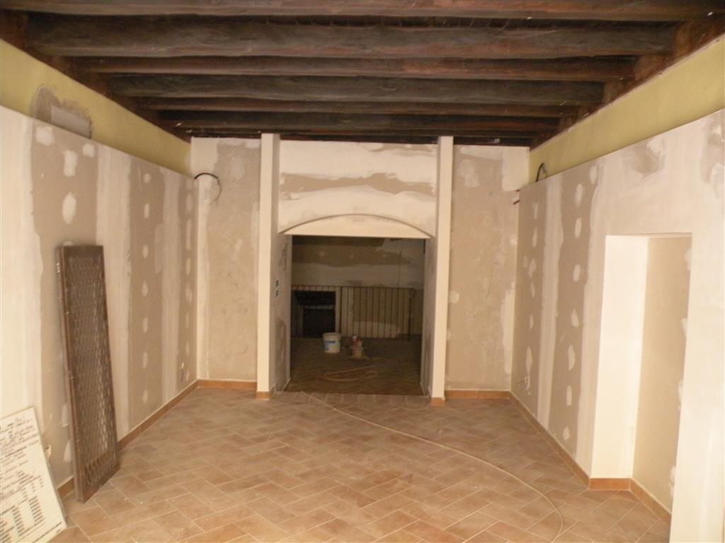 Negozio / Locale in vendita a Spoleto, 2 locali, zona Località: CENTRO, prezzo € 85.000 | Cambio Casa.it
