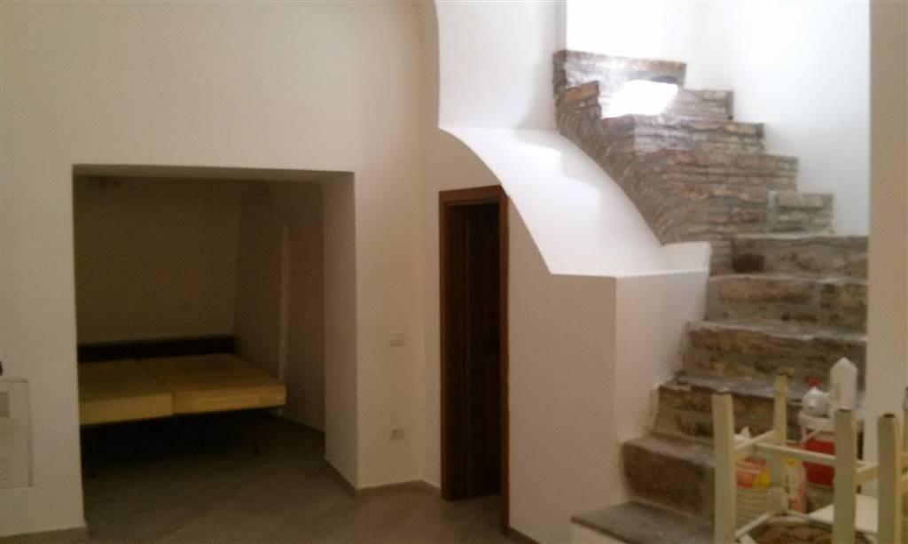 Appartamento in affitto a Spoleto, 1 locali, zona Località: CENTRO, prezzo € 300 | Cambio Casa.it