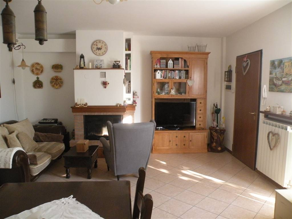 Soluzione Indipendente in vendita a Spoleto, 4 locali, zona Località: BAIANO, prezzo € 118.000 | Cambio Casa.it