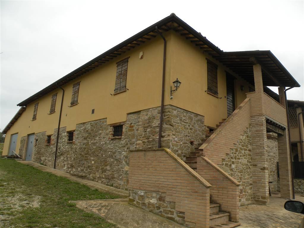 Rustico / Casale in affitto a Spoleto, 7 locali, zona Località: FRANCOCCI, prezzo € 900 | Cambio Casa.it