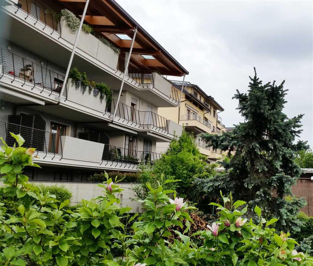 Attico / Mansarda in vendita a Varedo, 4 locali, zona Località: VAREDO, prezzo € 460.000 | Cambio Casa.it