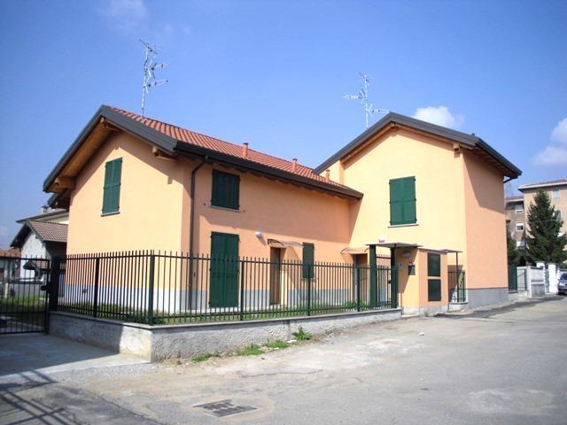 Villa in Vendita a Cogliate