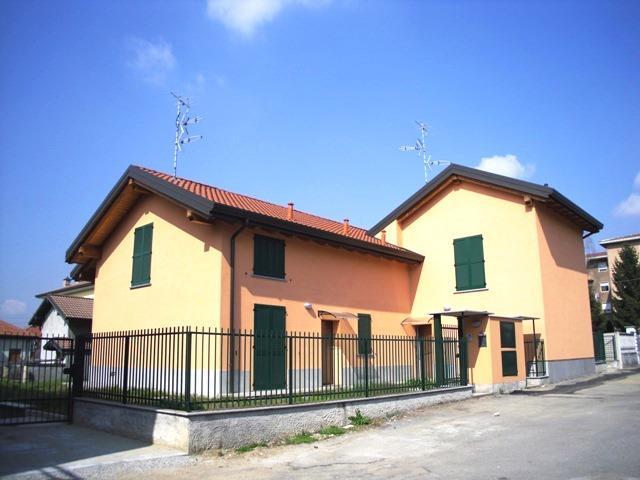 Villa in vendita a Cogliate, 4 locali, prezzo € 335.000 | Cambio Casa.it