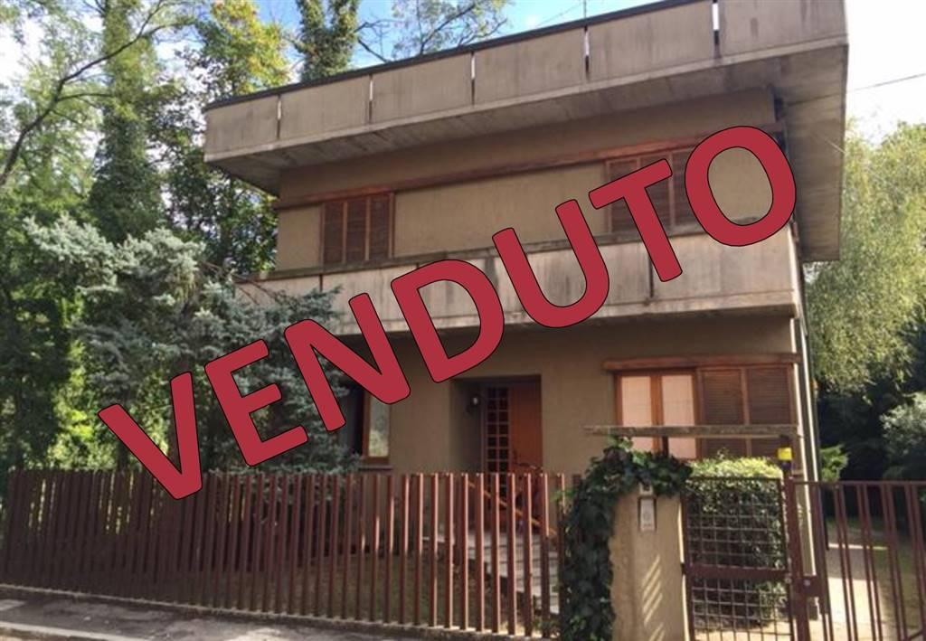 Villa in vendita a Paderno Dugnano, 5 locali, prezzo € 375.000 | Cambio Casa.it