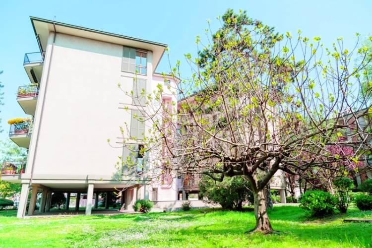 Attico / Mansarda in vendita a Varedo, 9 locali, zona Località: VAREDO, prezzo € 362.000   Cambio Casa.it