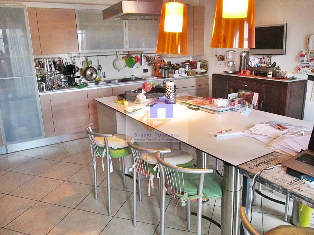 Villa in vendita a Cormano, 4 locali, zona Zona: Ospitaletto, prezzo € 430.000   Cambio Casa.it