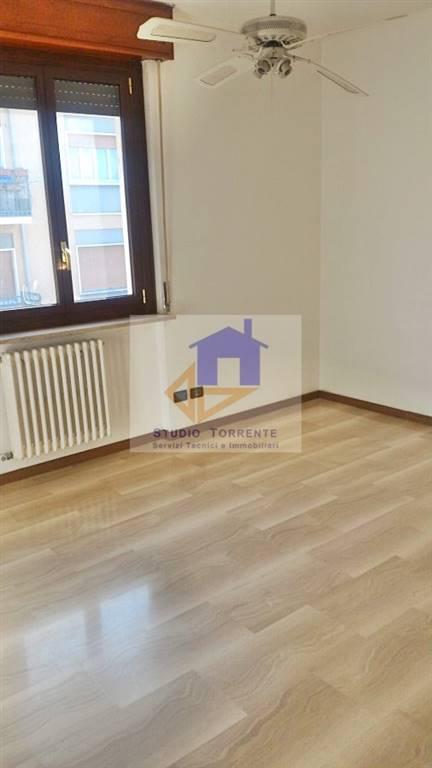 Appartamento in affitto a Cormano, 3 locali, zona Zona: Ospitaletto, prezzo € 680 | Cambio Casa.it