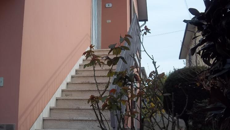 Soluzione Indipendente in affitto a Vinci, 4 locali, prezzo € 650 | Cambio Casa.it