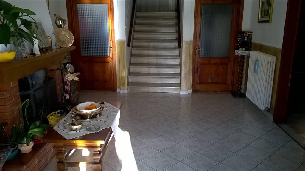 Soluzione Indipendente in vendita a Vinci, 7 locali, prezzo € 260.000 | Cambio Casa.it