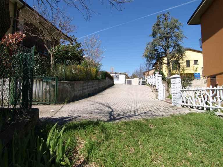 Terreno vendita CASTELLO DI SERRAVALLE (BO) - 7 LOCALI - 1350 MQ