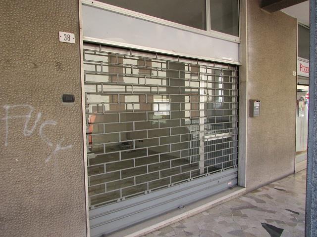 negozio  in Affitto a Capriate San Gervasio