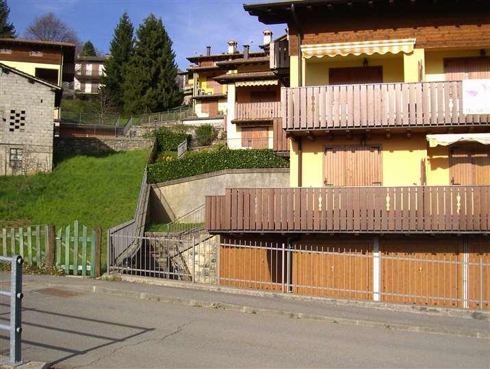 Appartamento in vendita a Costa Serina, 2 locali, prezzo € 77.000 | Cambio Casa.it