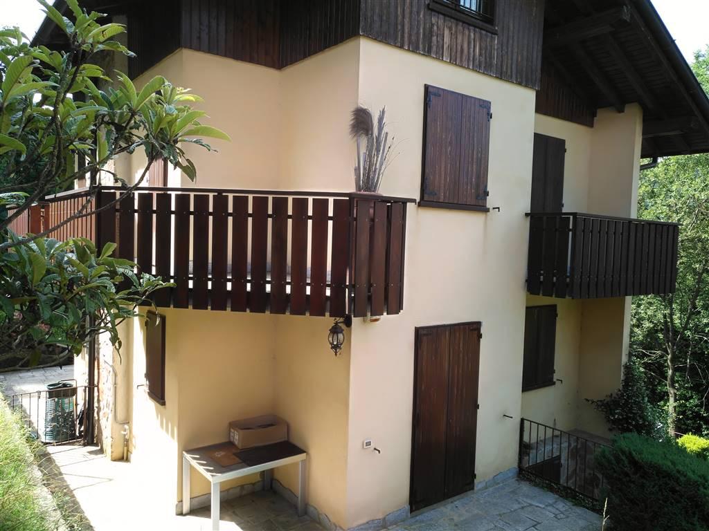 Appartamento in vendita a Selvino, 5 locali, prezzo € 167.000 | CambioCasa.it