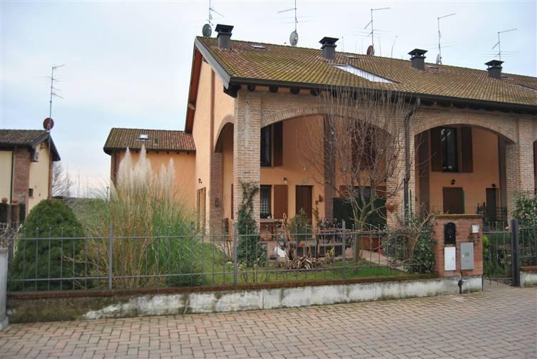 Villa in vendita a Piacenza, 7 locali, zona Località: MONTALE, prezzo € 317.000 | Cambio Casa.it