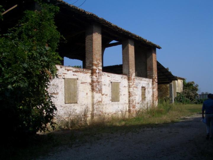 Rustico / Casale in Vendita a San Giorgio Piacentino