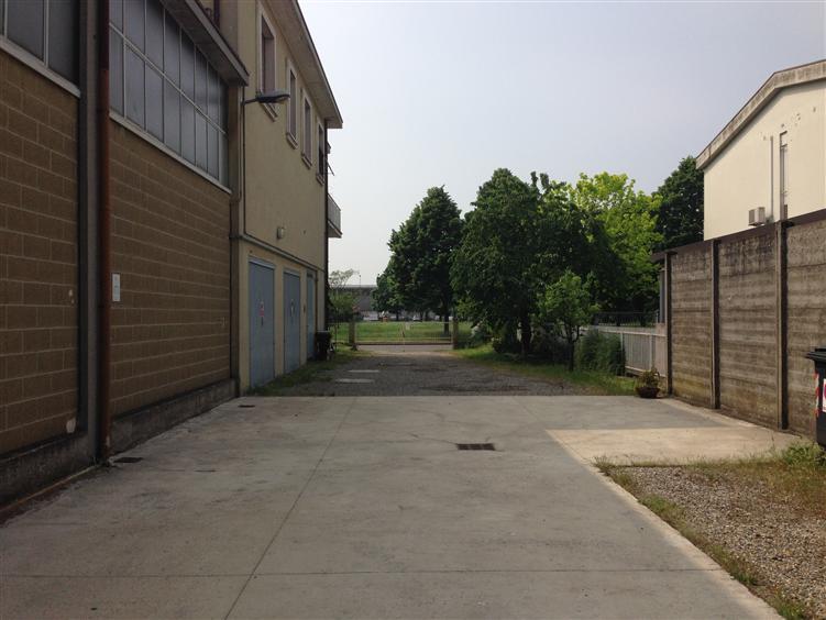 Magazzino in affitto a Piacenza, 9999 locali, zona Zona: Raffalda, prezzo € 12.500 | Cambio Casa.it