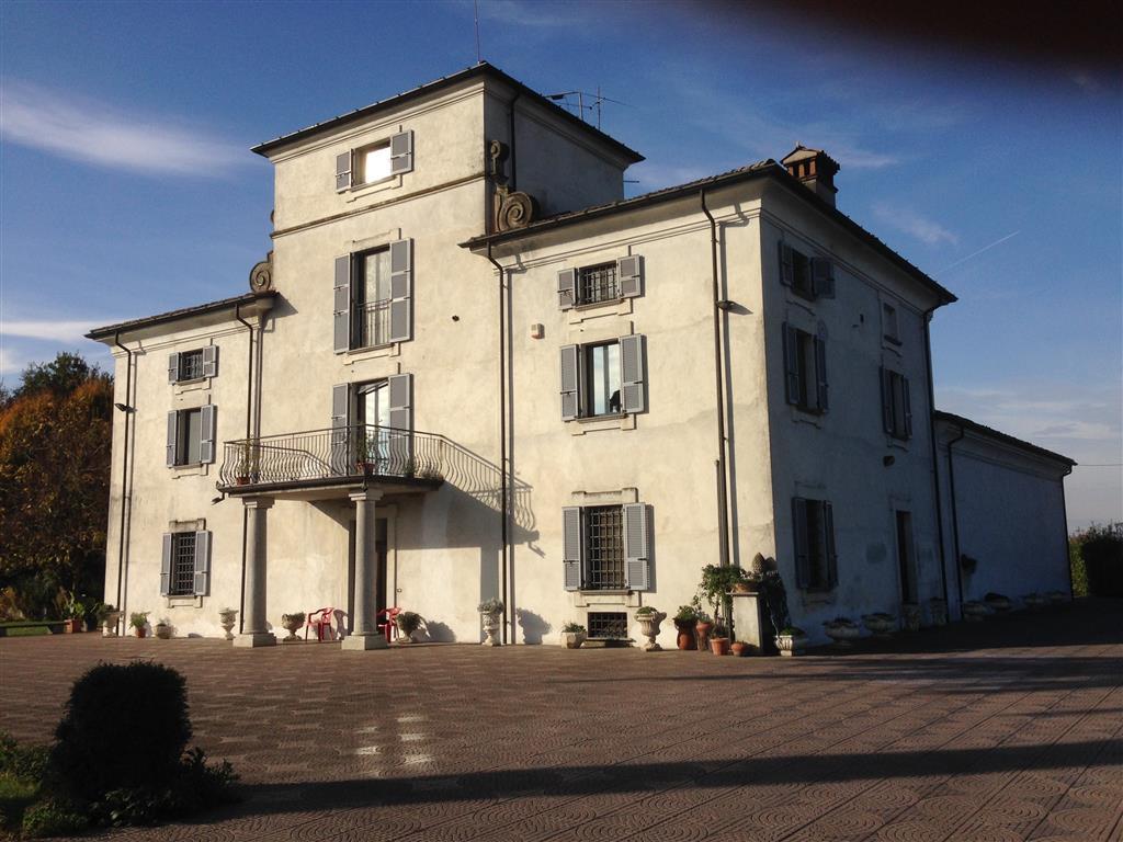 Villa in Vendita a Carpaneto Piacentino