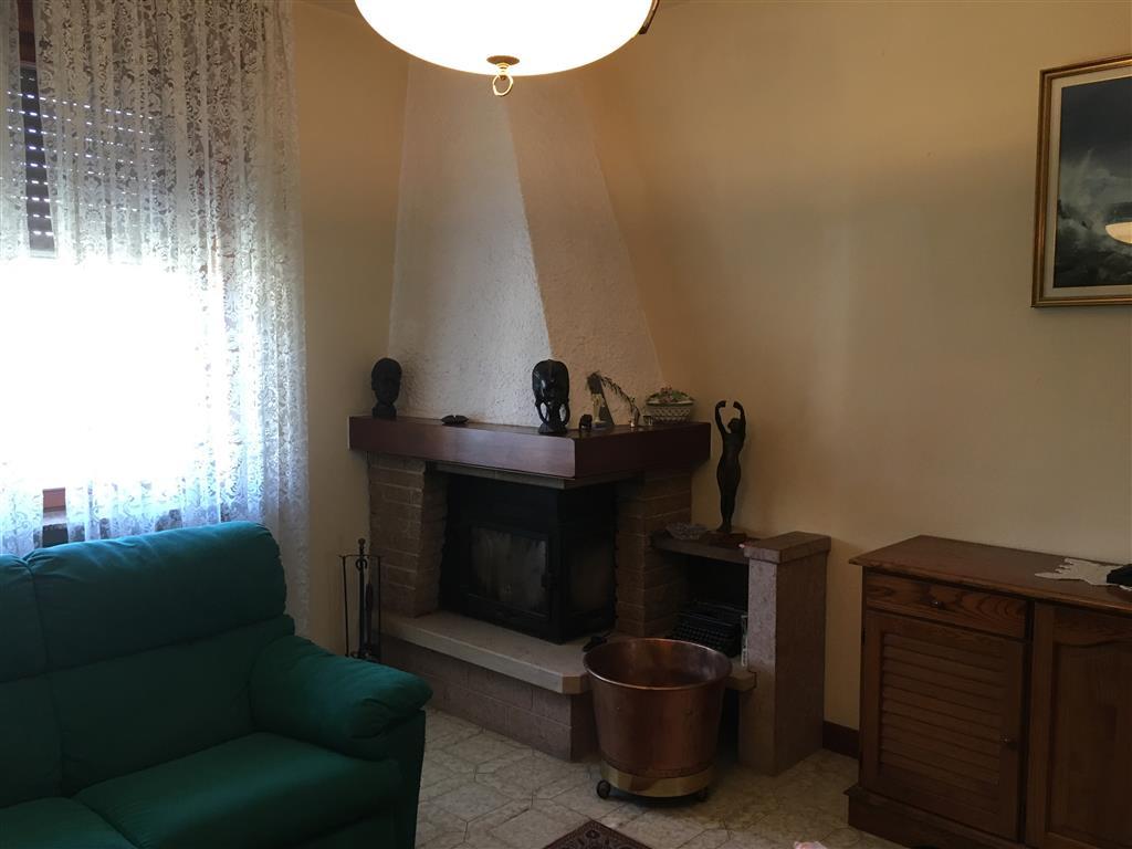 Appartamento in vendita a Cortemaggiore, 6 locali, zona Zona: Chiavenna Landi, prezzo € 155.000 | Cambio Casa.it
