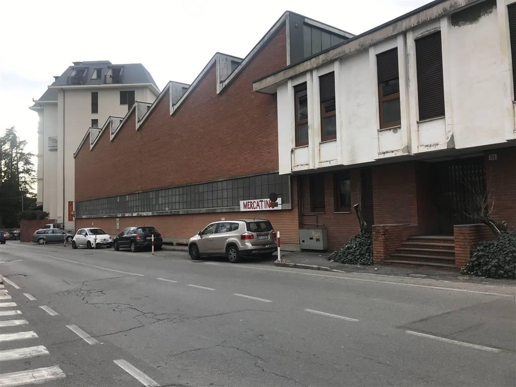 Attività commerciale  in Affitto a Varese