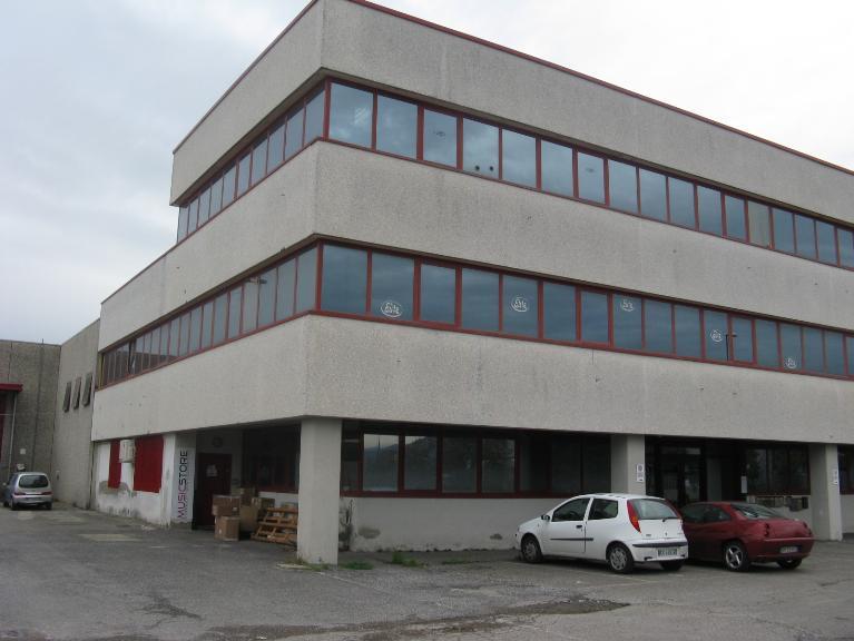 Capannone in affitto a Carmignano, 1 locali, zona Zona: Comeana, prezzo € 2.000 | CambioCasa.it