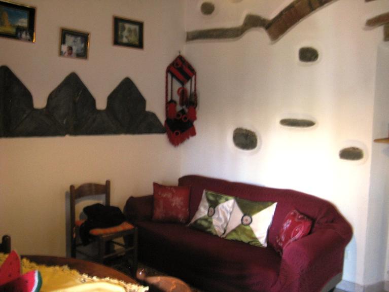 Soluzione Indipendente in vendita a Lastra a Signa, 4 locali, zona Zona: Porto di Mezzo, prezzo € 165.000   Cambio Casa.it