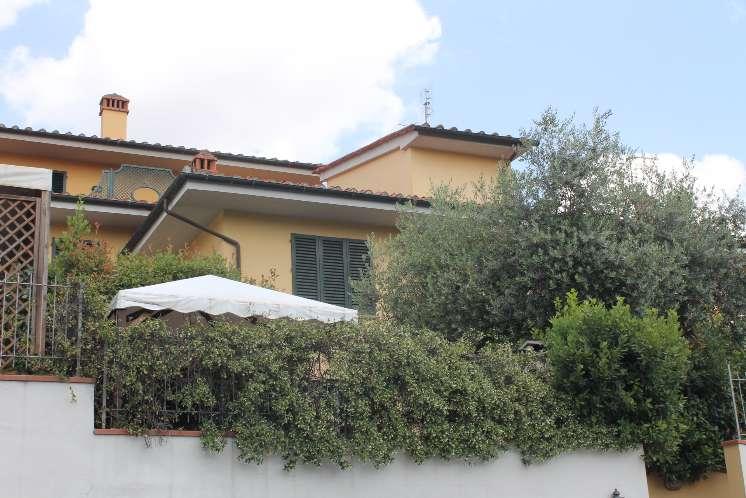 Villa in vendita a Carmignano, 7 locali, zona Zona: Comeana, prezzo € 570.000 | Cambio Casa.it