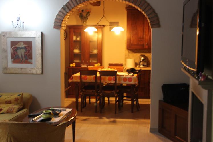 Soluzione Indipendente in vendita a Lastra a Signa, 4 locali, zona Zona: Ponte a Signa, prezzo € 240.000 | CambioCasa.it