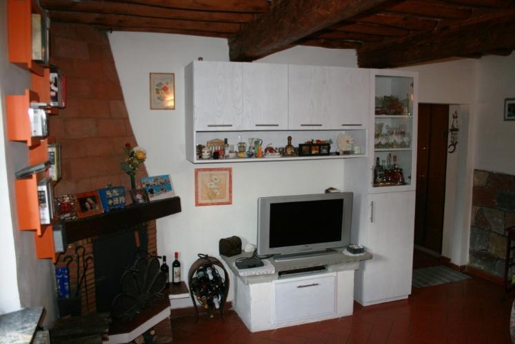 Appartamento in vendita a Lastra a Signa, 4 locali, prezzo € 155.000 | CambioCasa.it