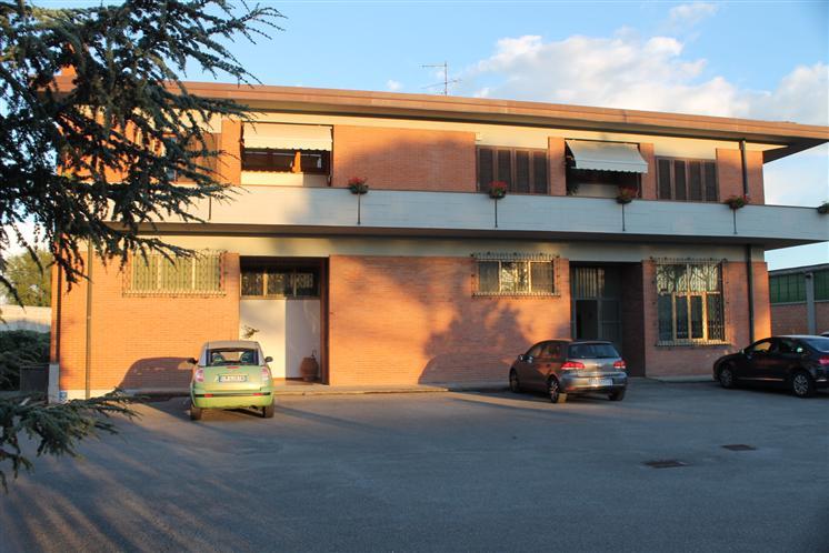 Soluzione Indipendente in vendita a Signa, 7 locali, Trattative riservate | Cambio Casa.it