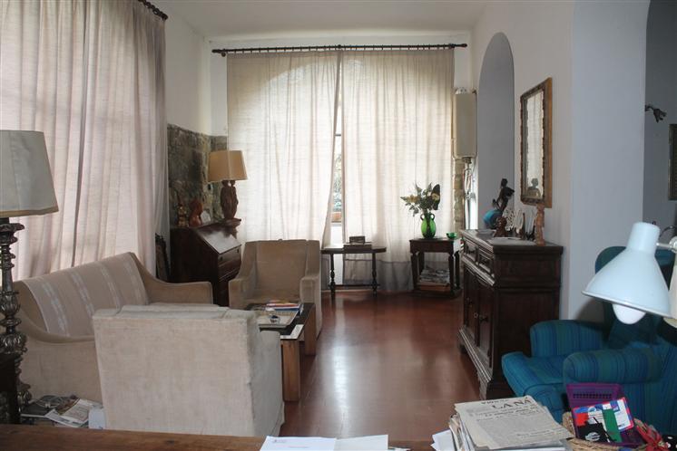 Soluzione Indipendente in vendita a Signa, 8 locali, Trattative riservate | Cambio Casa.it