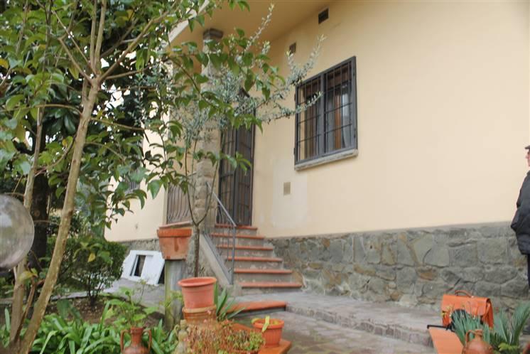 Villa in vendita a Signa, 8 locali, prezzo € 495.000 | CambioCasa.it