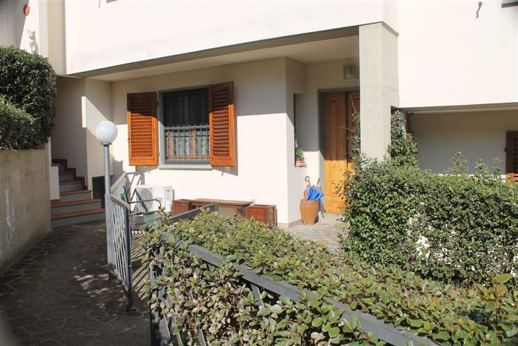 Villa in vendita a Lastra a Signa, 6 locali, prezzo € 280.000 | Cambio Casa.it