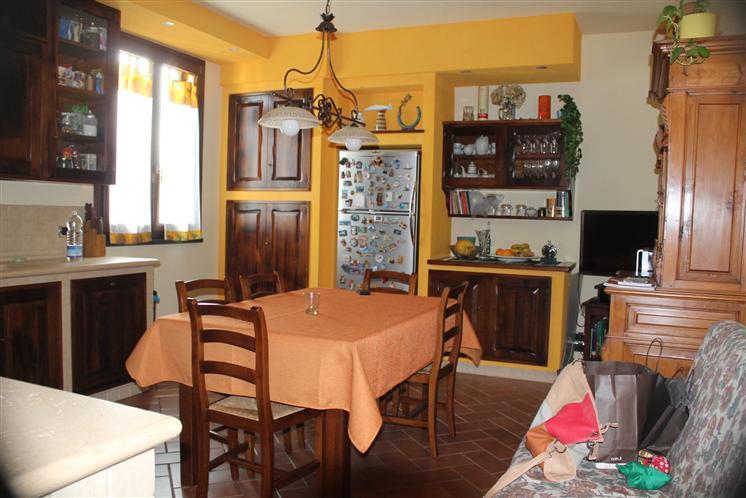 Villa in vendita a Signa, 4 locali, zona Zona: San Mauro a Signa, prezzo € 280.000 | CambioCasa.it