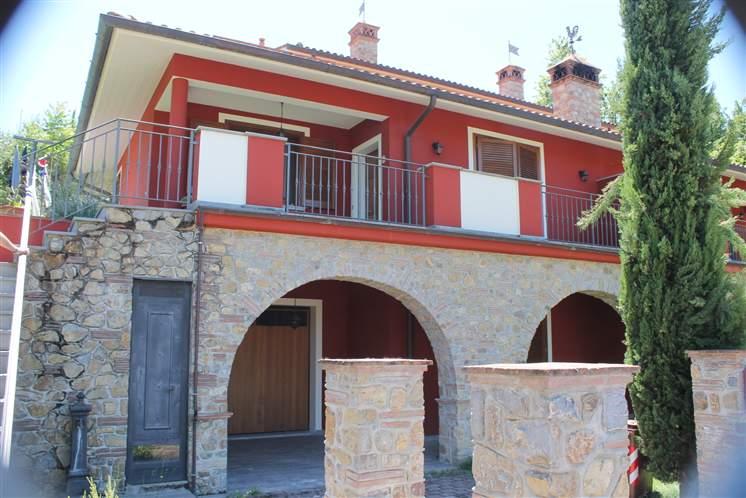 Villa in vendita a Quarrata, 6 locali, Trattative riservate | CambioCasa.it