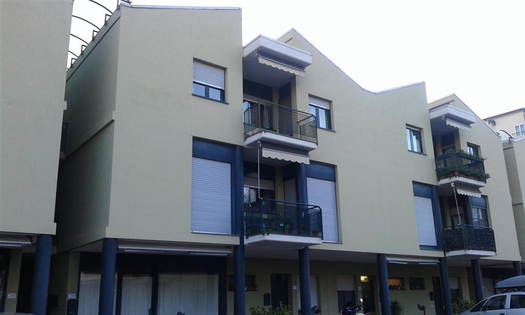 Appartamento in vendita a Signa, 5 locali, prezzo € 175.000 | Cambio Casa.it