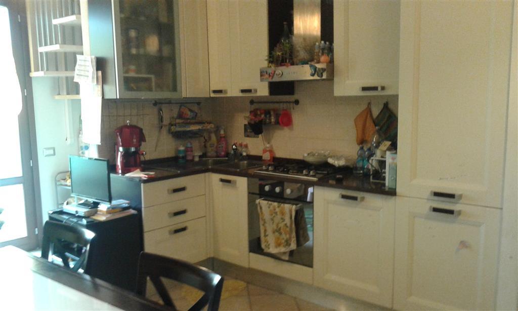 Appartamento in vendita a Campi Bisenzio, 4 locali, zona Zona: San Piero a Ponti, prezzo € 190.000 | Cambio Casa.it