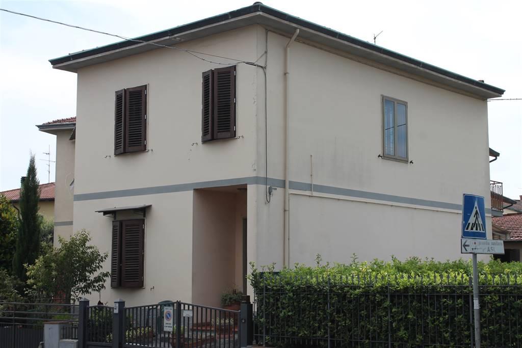 Villa in vendita a Signa, 6 locali, zona Zona: Colli Alti, prezzo € 350.000 | CambioCasa.it