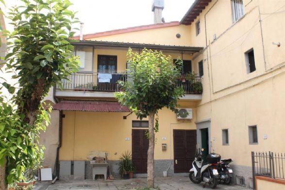 Appartamento in vendita a Signa, 5 locali, prezzo € 210.000 | Cambio Casa.it