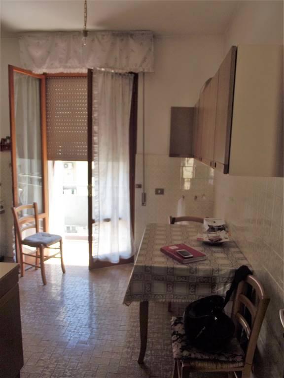 Appartamento in vendita a Lastra a Signa, 4 locali, prezzo € 220.000 | Cambio Casa.it